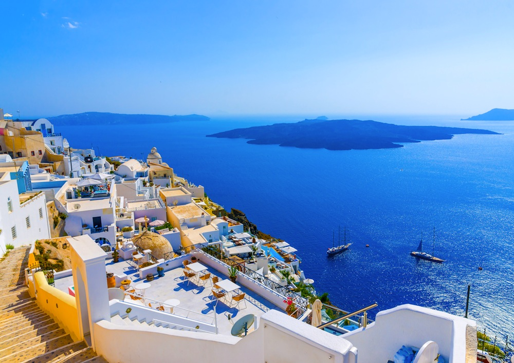 10-stops-in-santorini-the-beautiful-cycladic-island